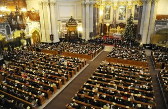 Churchgoers attend a Christmas Eve mass at Berlin's Cathedral